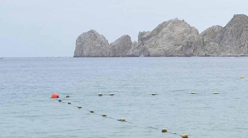 Rescatan a joven de ahogarse en playa de El Médano