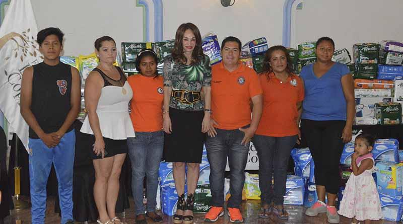 Fundación Letty Coppel dona pañales a Unidos por la Discapacidad