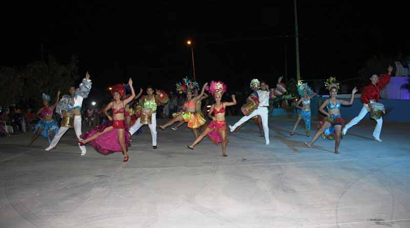 Coronan a Bella I como Reina de las Fiestas Tradicionales de Buenavista 2016