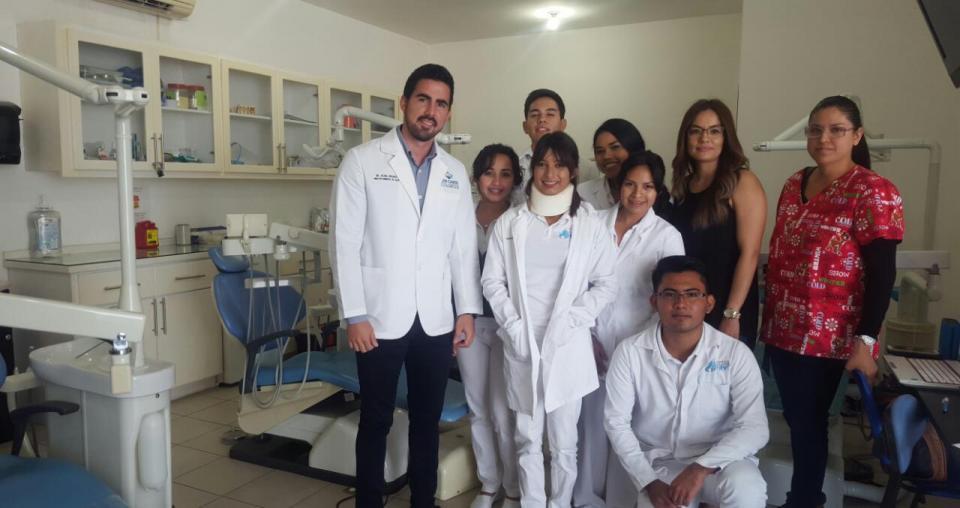 Gobierno de Los Cabos y la UDC trabajan para brindar atención dental a personas con discapacidad