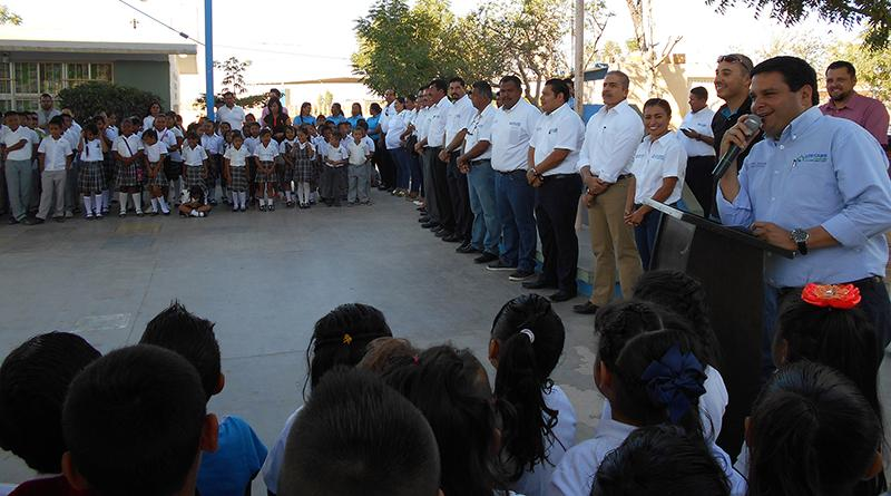 Lleva Delegación de Cabo San Lucas programa cívico a la Escuela Primaria Leonardo Gastelum