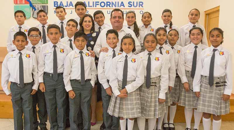 Trabajamos todos los días por un mejor futuro para las y los niños de BCS: Carlos Mendoza