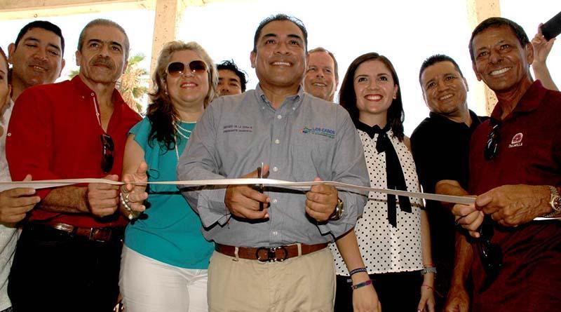 Sueño de generaciones será realidad, inicia construcción de balneario público en Palmilla: Arturo De la Rosa