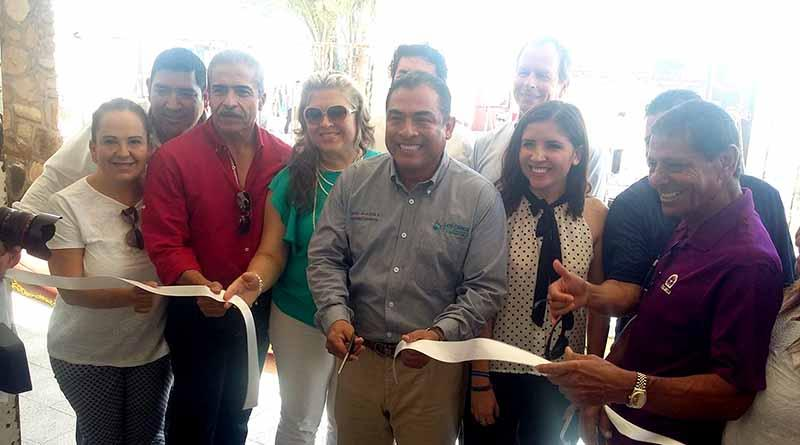 Balneario público en Palmilla será una realidad, pone Alcalde la primera piedra