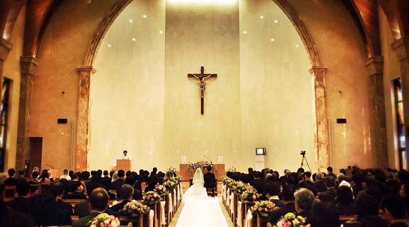 Cristianos no pueden renunciar a matrimonio entre hombre y mujer: Rivera Carrera