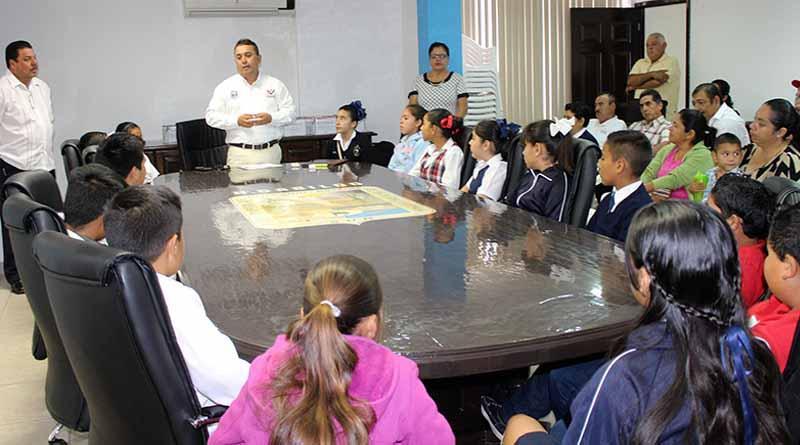 Gobierno Municipal Comprometido con la Educación y los Jóvenes, Afirma Alcalde, Francisco Pelayo