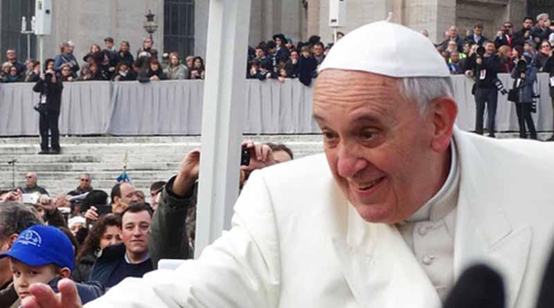 Papa invita a refugiados a presidir con él su audiencia pública