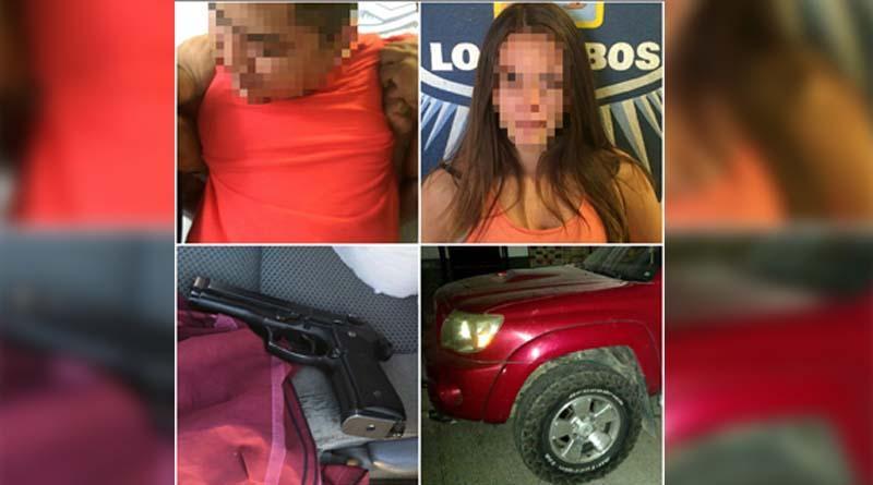 Arrestan a pareja en playa Palmilla en poder de un arma de fuego
