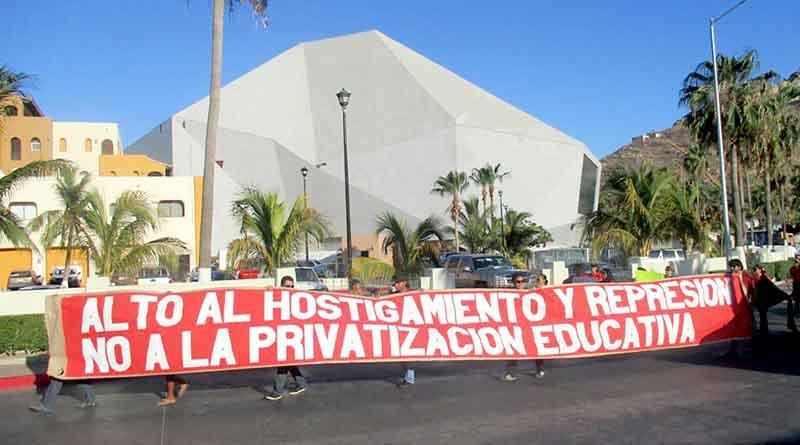 """Segundo día de manifestaciones en CSL por violencia en Oaxaca: """"Ni un muerto más, hay que dialogar"""""""
