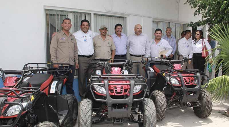 Entrega Alcalde Armando Martínez Vega, equipo a SAPA La paz.
