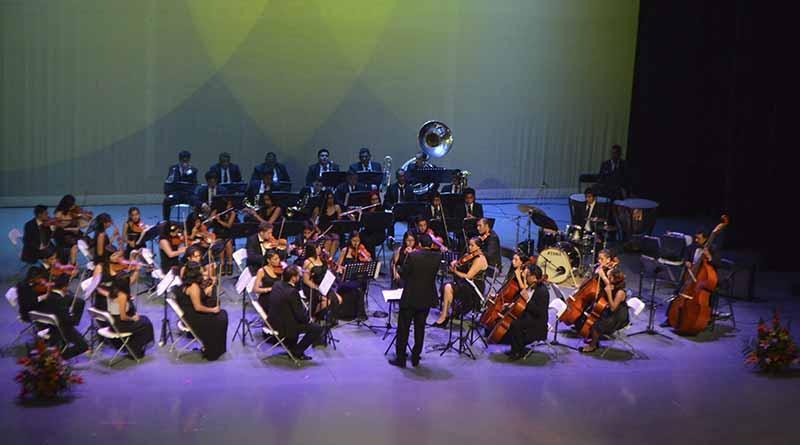 Orquesta Juvenil de Los Cabos regala una noche de rock sinfónico
