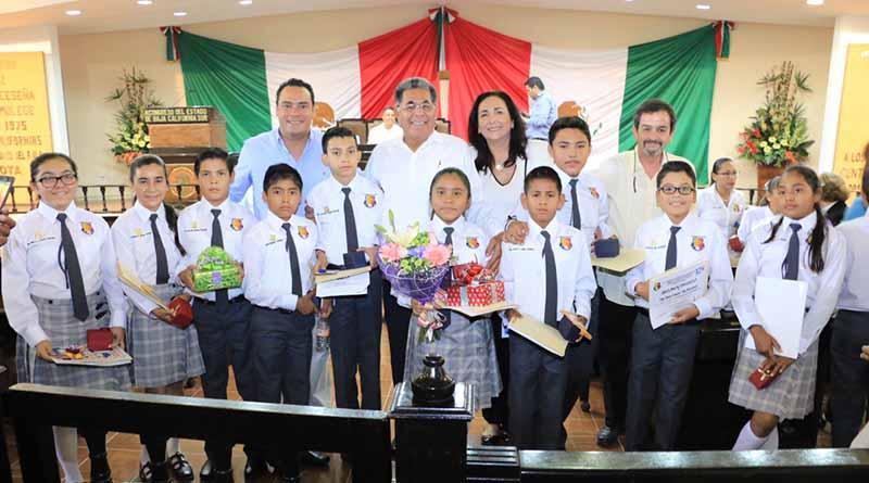 Asisten niños cabeños al XI Parlamento Sudcaliforniano Infantil