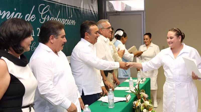 Se llevó a cabo la ceremonia de graduación de la carrera técnica en enfermería del CONALEP