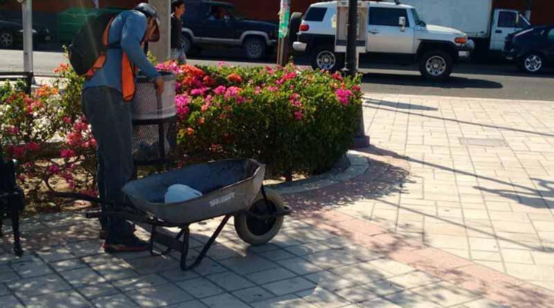 Servicios Públicos Municipales continúa con la limpieza de Boulevares