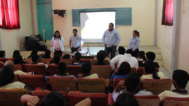 IMJ lleva pláticas de prevención a jóvenes de la zona rural