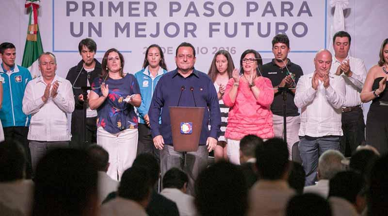 Pasos firmes por un mejor futuro: Carlos Mendoza