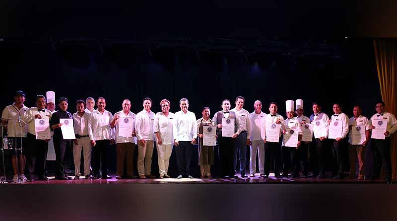 """25 """"Distintivos H"""" Entregados a dos Hoteles de los Cabos, fortalecen la calidad y competitividad del destino"""