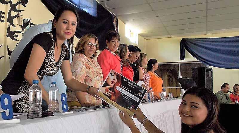 DIF de Colonia Pueblo Nuevo, Clausura Cursos de Belleza
