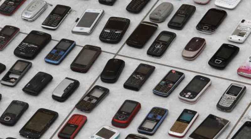 Venta de teléfonos robados opera frente a Guardia Nacional venezolana