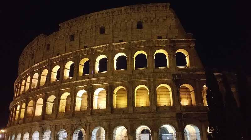 Resplandece de nuevo la fachada del Coliseo de Roma