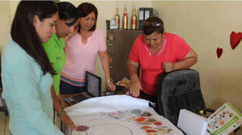 Clausura DIF Curso Elaboración de Huaraches, en Apoyo a 11 Señoras