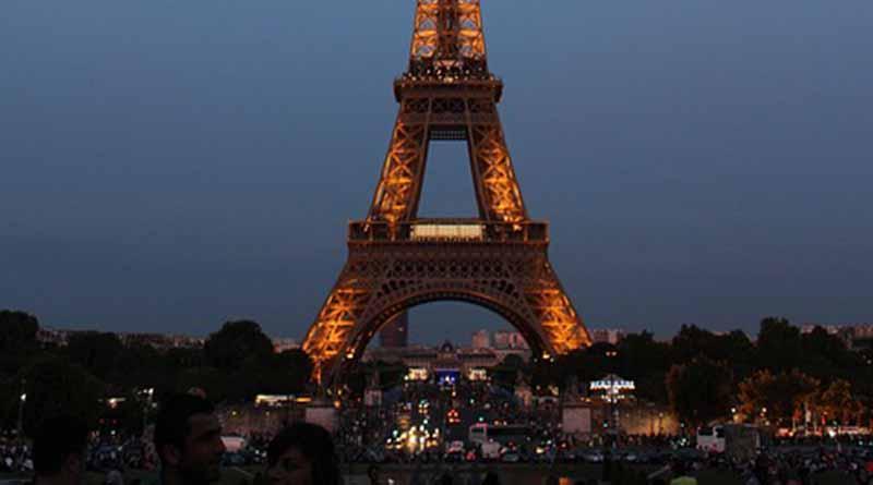 Hollande confirma final de estado de emergencia en Francia