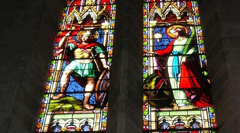 Mueren sacerdote y atacantes en toma de rehenes en iglesia francesa