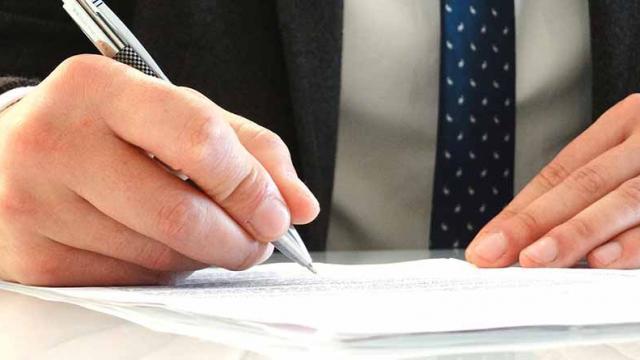 Felicita Peña Nieto a los abogados en su día