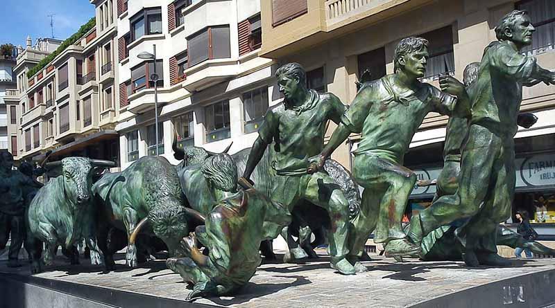 Saldo blanco en el primer encierro de Pamplona