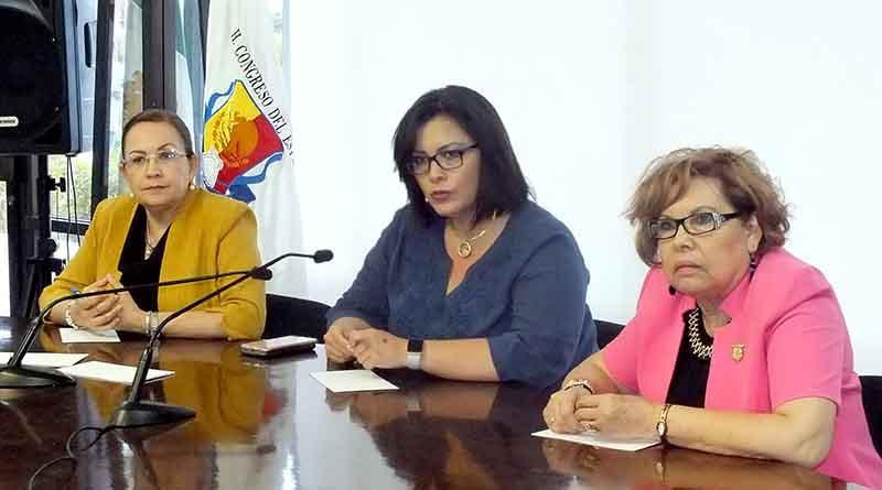 Presentan grupo de maestros y ONG´s a Congreso del Estado peticiones contra Reforma Educativa
