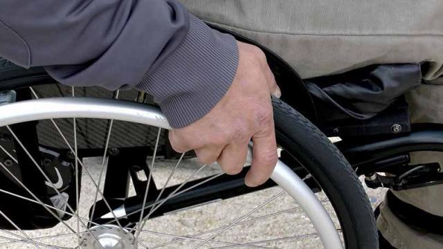 Crean en UNAM modelo de silla de ruedas preventiva para adultos mayores