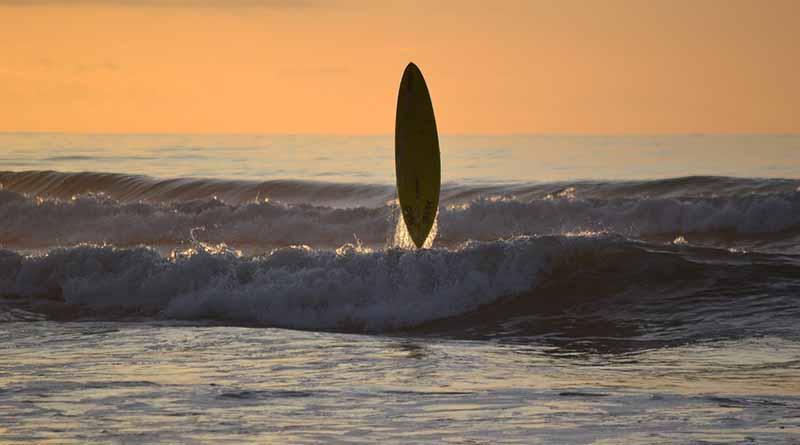 Mexicana Regina Pioli triunfa en Surf Open Acapulco