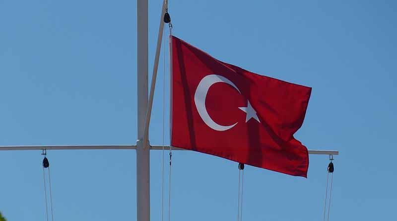 Intento golpista en Turquía deja un saldo de 181 muertos