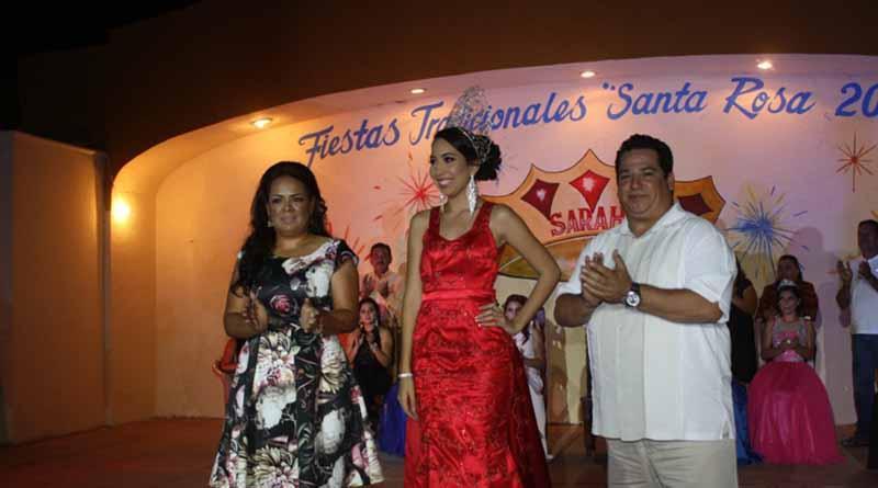 Coronan a Sarahi I, Reina de las Fiestas Tradicionales Santa Rosa Fundador 2016