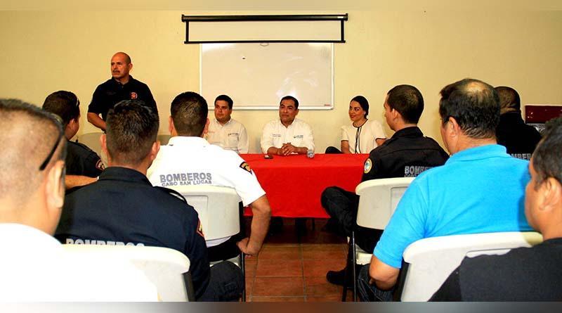 Cumple Alcalde compromiso histórico con bomberos de Los Cabos, por primera vez tendrán equipo nuevo