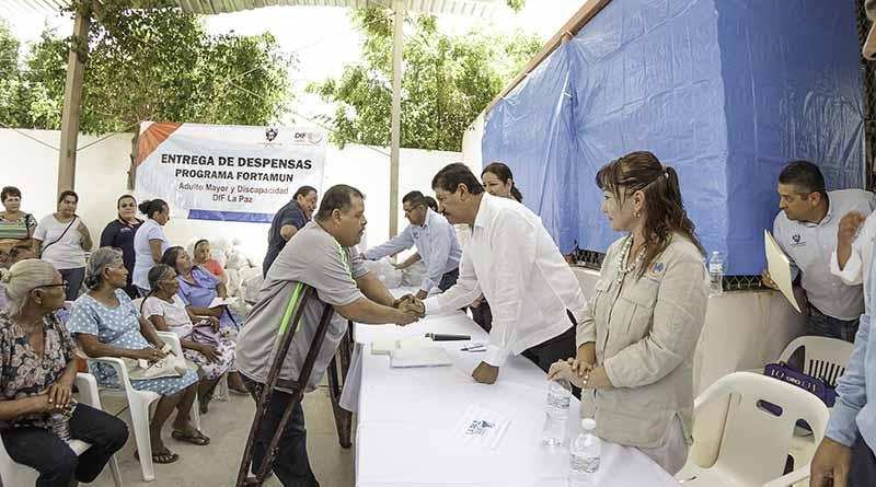 Entrega Gobierno de Los Cabos y Sagarpa facturas y cartas de registro de ganado