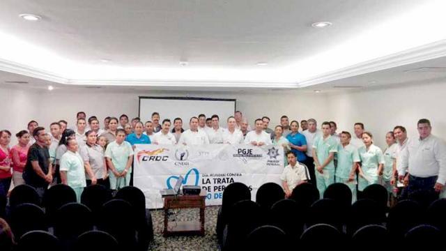 Suman esfuerzos CROC, CNDH, PGJE y Policía Federal para erradicar la trata de personas: Esteban Vargas