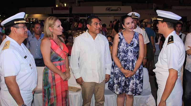 Felicita Alcalde ARE a la Banda Sinfónica y Coro de la Secretaría de Marina por su gran presentación