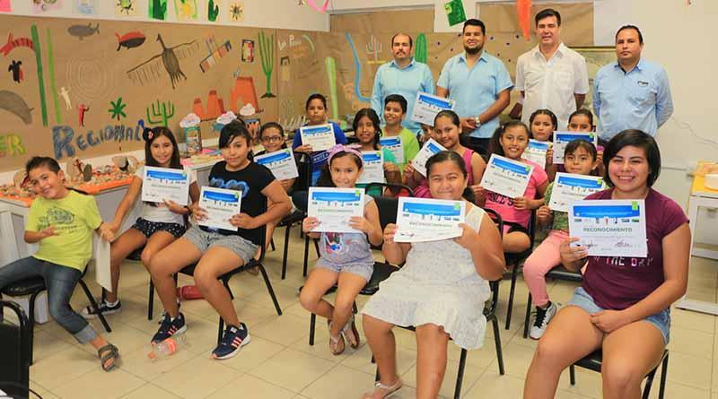"""Finaliza""""Taller Regional Creando Identidad"""" en la Biblioteca Pública Pablo L. Martínez"""