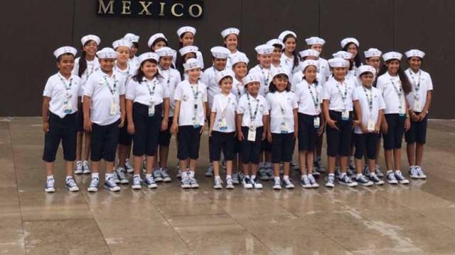 Viaja a la ciudad de México y Veracruz alumna sudcaliforniana ganadora del concurso nacional el niño y la mar