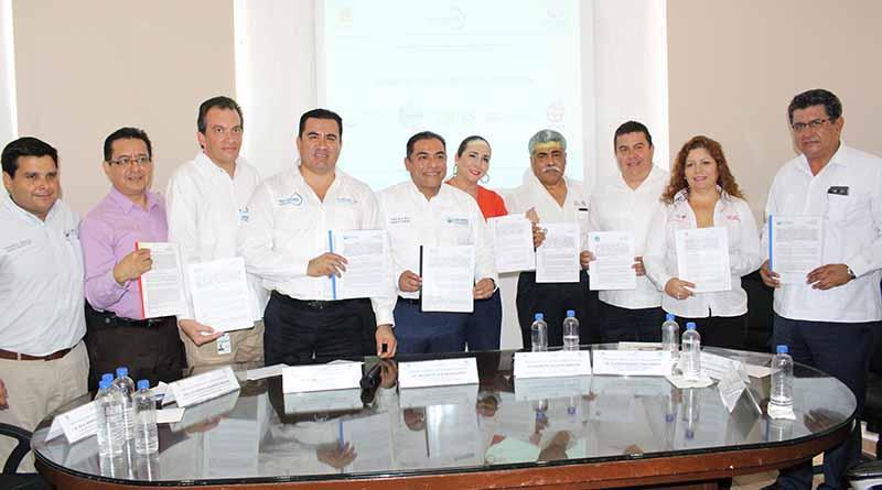 Gobierno Municipal y Agua Potable signa convenios para capacitar a sus trabajadores