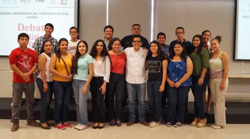 Se reúne directora del ISJ con jóvenes competidores del concurso juvenil de debate político