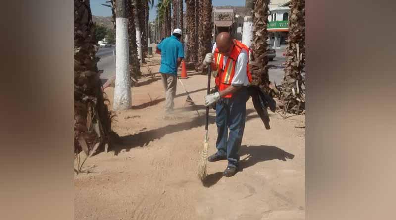 Llama Servicios Públicos a mantener las calles limpias