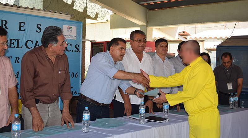 Promovemos programas educativos que permitan hombres de bien y productivos: Luis Alberto González Rivera