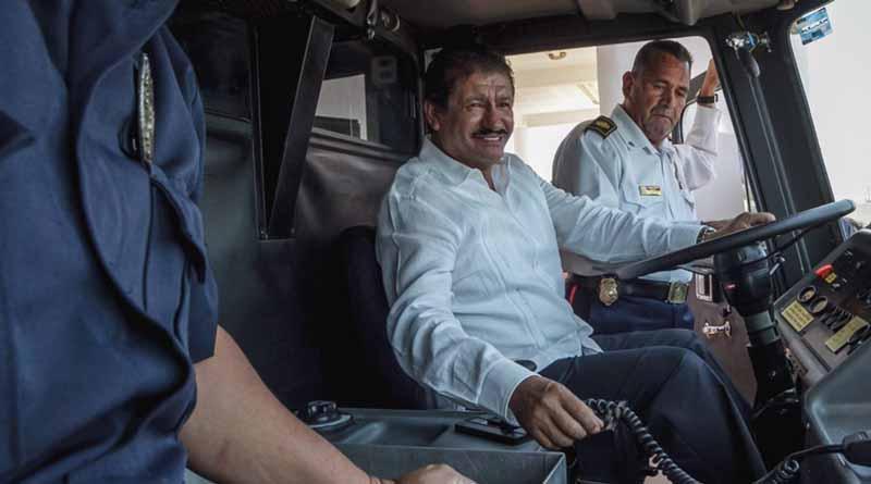 Mi reconocimiento al Cuerpo de Bomberos que día a día arriesgan su vida por salvaguardar la integridad de los paceños y paceñas: Armando Martínez Vega