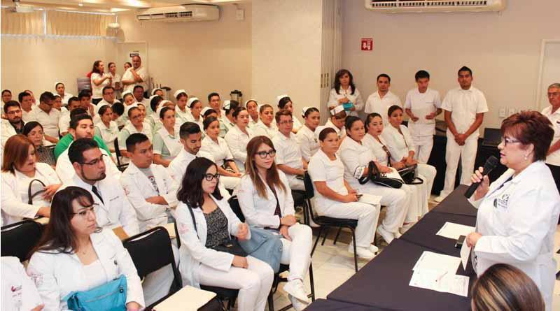 Ingresan 39 médicos pasantes al servicio social en la secretaría de salud de BCS