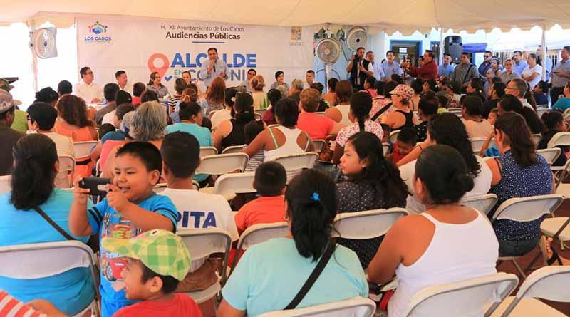 Somos un gobierno de contacto directo con la gente: Arturo De la Rosa