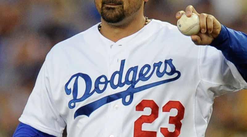 Mexicano González sale apagado en derrota de Dodgers ante Rockies