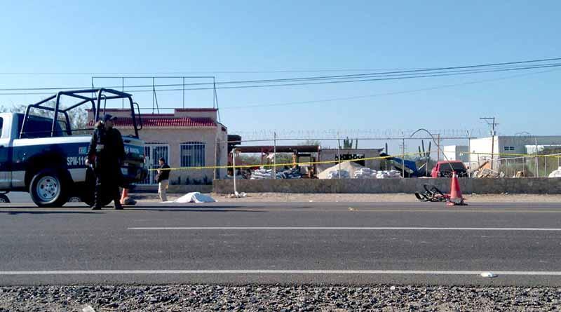 Embiste carro a tres ciclistas en La Paz y uno pierde la vida