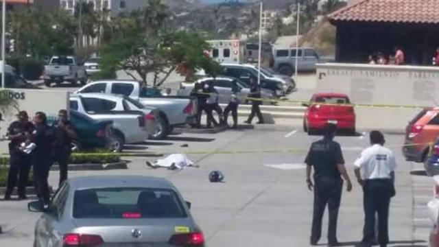 Confirma PGJE persona muerta por arma de fuego en plaza comercial de SJC